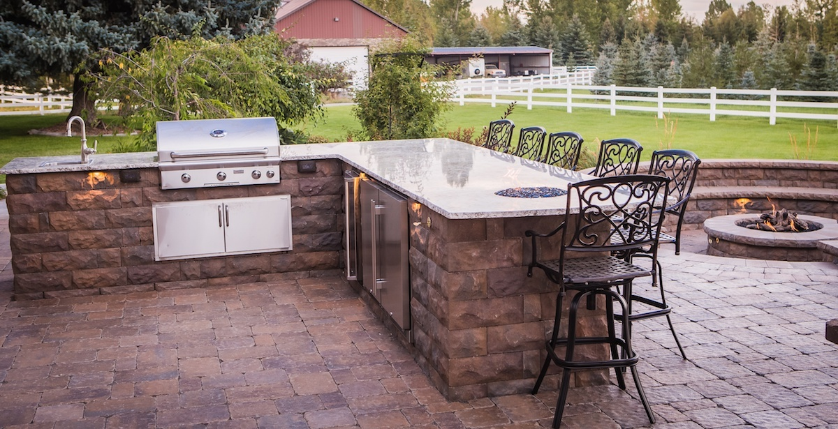 Outdoor kitchen in Idaho Falls