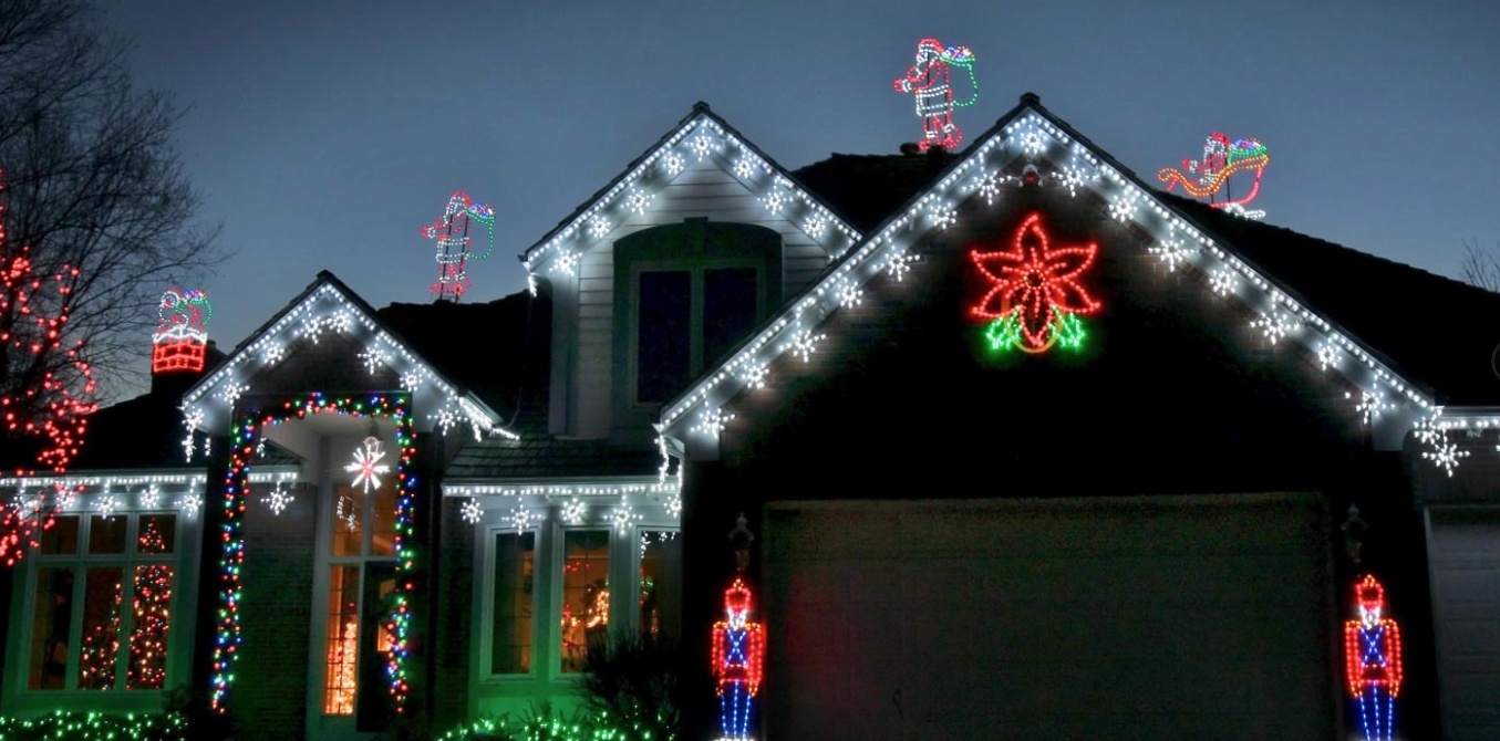 Hanging Holiday Lights Outdoors